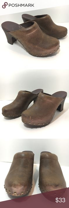 Dansko RAE crazy horse distressed brown clogs Great used condition women's size 39, 8.5-9, as stated by their website. Dansko Rae crazy horse brown leather distressed slip on clogs. Minimal scuffing, markings on one side of each heel as pictured Dansko Shoes Mules & Clogs