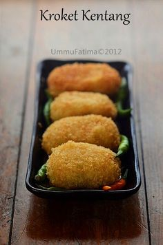 Simply Cooking and Baking. Indonesian Desserts, Asian Desserts, Indonesian Food, Indonesian Recipes, Asian Appetizers, Baby Food Recipes, Snack Recipes, Cooking Recipes, Mie Goreng