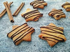 fahéjas keksz Cookies, Food, Crack Crackers, Biscuits, Essen, Meals, Cookie Recipes, Yemek, Cookie