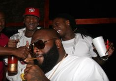 "Oop! Rick Ross Fires Shots Back At Birdman & Lil' Wayne: ""Them N*ggas Kissed And Then Made Up""   http://www.njlala.com/2016/01/oop-rick-ross-fires-shots-back-at.html  #OooLaLaBlog #RickRoss #RickyRozay #Bidman #LilWayne #YMCMB #CashMoney #MMG #celebritygossip #shotsfired #bloghive"