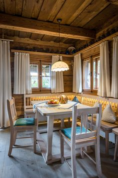 Home Design, Chalet Interior, Farms Living, Cottage Interiors, Log Homes, Country Decor, My Dream Home, Gazebo, Sweet Home