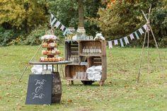 Houten fruitkistjes, slingers en lekkere cupcakes; een fijne combinatie.. //Foto: Astrid Termaat.