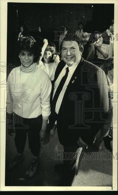 1987 Press Photo Owner of Johnny's Supper Club in Brown Deer, WI, John Schuster | Collectibles, Photographic Images, Contemporary (1940-Now) | eBay!