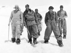 ft to right, Charles Evans, Edmund Hillary, Tenzing Norgay, Tom Bourdillon and George Band Monte Everest, Winter Mountain, Escalade, Mountain Climbers, Men's Fashion Brands, Top Of The World, Mountaineering, Rock Climbing, National Geographic