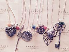 Collane lunghe in argento con vari charm