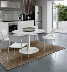 Corona table by Domitalia