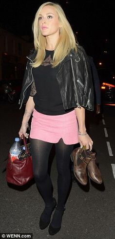 Make-up free Fearne Cotton clutches onto a coffee cup ...