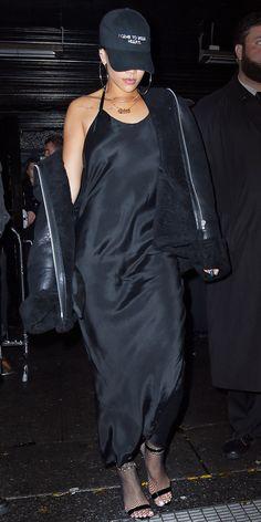Street Style Rihanna, Rihanna Mode, Estilo Rihanna, Rihanna Outfits, Clubbing Outfits, Rihanna Fashion, Rihanna Black Dress, Club Outfits, Casual Outfits