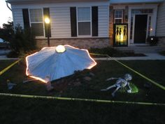 DIY Halloween Alien Crash Yard Decor from Mama Say What?! Laura shares how she created this fantastic alien crash site on her front lawn for Halloween!