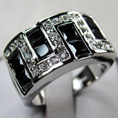 'Size 10 Men's Black Onyx 10K Gold-Filled Ring' is going up for auction at 11am Thu, Dec 6 with a starting bid of $7.