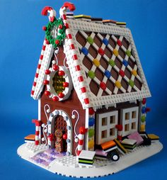 Great LEGO Gingerbread House - I love the licorice allsorts!