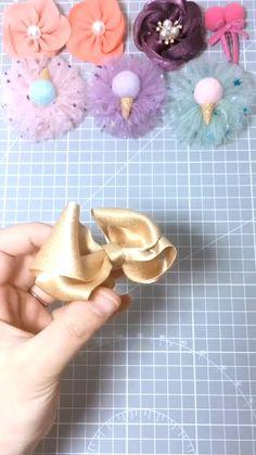 Diy Ribbon, Ribbon Crafts, Ribbon Bows, Fabric Crafts, Felt Bows, Ribbon Flower, Making Hair Bows, Diy Hair Bows, Bow Hair Clips