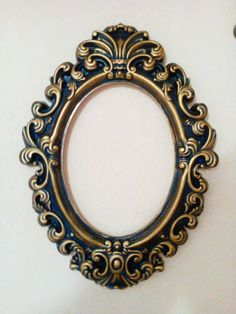 Diy Wall Decor For Bedroom, Painted Picture Frames, Mirror Painting, Background Images Wallpapers, Wall Shelves Design, Diy Mirror, Frame Crafts, Cornice, Paint Furniture