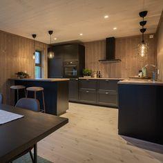 Modern Kitchen Interiors, Cabin Interiors, Wooden House, Küchen Design, Decoration, Kitchen Island, Sweet Home, Kitchens, Mountain Cabins