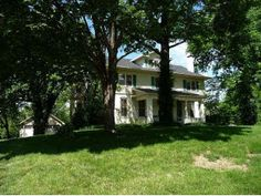 "I love this ""old home"" in Jefferson City...Could do so much with it."