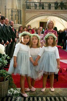 Perfect little flower girls Wedding Girl, Wedding With Kids, Chic Wedding, Wedding Bride, Flower Girls, Flower Girl Dresses, Wedding Planer, Bridal Gowns, Wedding Dresses