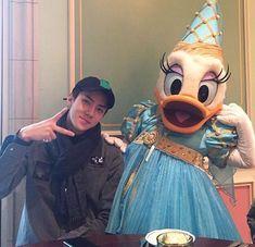 Sehun with Daisy duck - - { Chanyeol, Kyungsoo, Kaisoo, Jung Jin Woo, Exo 2014, Sehun Cute, Rapper, Asian Babies, K Pop Star