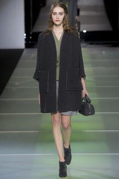Sfilata Giorgio Armani Milano - Collezioni Autunno Inverno 2014-15 - Vogue