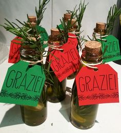 Grazei thank you gifts of olive oil infused Italian Table Decorations, Italian Centerpieces, Dinner Party Decorations, Dinner Themes, Pizza Party, Little Italy Party, Italy Party Theme, Italian Baby Showers, Trattoria Italiana