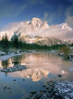✮ Mt. Kidd in Winter