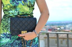 #summer #tropical #dress #bag #bershka #belvedere #fashionblogger #fashion #partyoufit #party #look #green #vogueorbreakfast