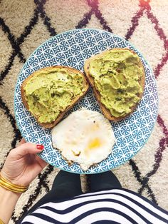 avocado toast Weight Watchers Vegetarian, Weight Watchers Meals, Eating Watermelon, Weigh Watchers, Clean Eating, Healthy Eating, Vegetarian Recipes, Healthy Recipes, Evening Meals