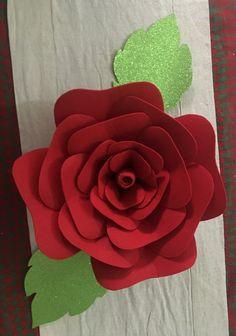 Flor hecha en fieltro #miscreaciones #FloresDePapel