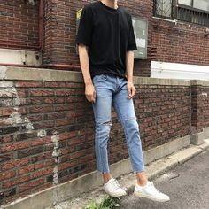 36 Classy Trendy Mens Jeans Outftis Ideas - Men Jeans - Ideas of Men Jeans - Jeans are one of the most preferred outfits for men for a comfortable and effortless causal style. Korean Outfits, Trendy Outfits, Nice Outfits, Men's Outfits, Classy Outfits, Fall Outfits, Fashion Outfits, Trendy Mens Jeans, Moda Indie