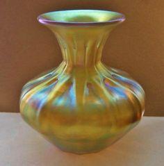 Extraordinarily MAGNIFICENT Unique LUNDBERG Glass VASE Iridescent GOLD AURENE