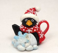 1/12 scale Christmas penguin teapot in red BY LORY by 64tnt