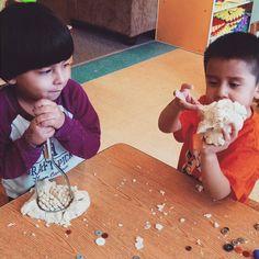 Making some play-dough art! #preschool #art #preescolar #arte