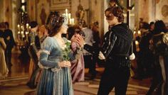 Small, but new picture form the new Romeo and Juliet that shows Juliet's party dress.....it's blue!