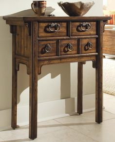 HO-643-50-002 Hooker Legends Accent Table 30""