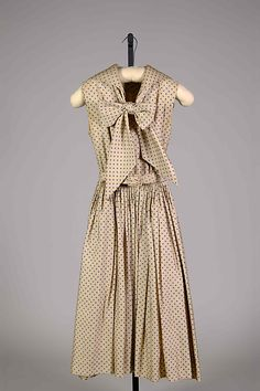 Dress Norman Norell (American, Noblesville, Indiana 1900–1972 New York) Manufacturer: Traina-Norell (American, founded 1941) Date: ca. 1955 Culture: American Medium: Silk