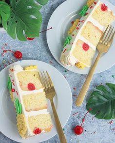 Strawberry Malt Cake - Baking with Blondie Taco Cupcakes, Baking Cupcakes, Cake Baking, Coconut Buttercream, Buttercream Recipe, Vanilla Bean Cakes, Swirl Cake, Strawberry Slice, White Chocolate Ganache