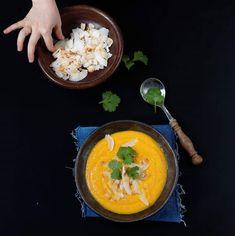 Własnoręcznie udekorowane jedzenie smakuje najlepiej. Tak twierdzi Panna Grymaśna 😉 #zupa #zupakrem #soup #soupoftheday #soupforthesoul #comfortfood #foodbloger #foodphotography #foodstagram #food #souplover #batat #marchewka #kolendra #kokos #pannagrymaśna #blogerkakulinarna #blogkulinarny #foodpic Panna, Thai Red Curry, Ethnic Recipes, Food, Essen, Meals, Yemek, Eten