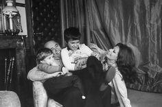 Carlo Ponti & Sophia Loren and their kids