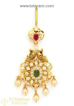 22 Karat Gold In Peacock Maang Tikka with Cz , Ruby, Emerald, Emerald Bead & Japanese Culture Pearls - Papidi Billa (Temple Jewellery) This item can Tikka Jewelry, Indian Jewelry Sets, Temple Jewellery, Gold Earrings Designs, Gold Jewellery Design, Necklace Designs, Gold Necklace Simple, Gold Jewelry Simple, Pendant Design