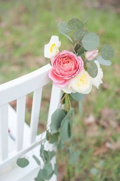 Garden Rose and Poppy Chair Accent | by Gavita Flora | Photo by http://www.rahelmenigphotography.com/ #wedding #flowers