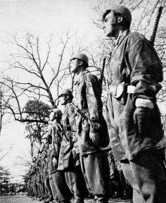Centro Addestramento Reparti Paracadutisti di Spoleto affidato al XI Flieger Korps del Generale Kurt Student - pin by Paolo Marzioli
