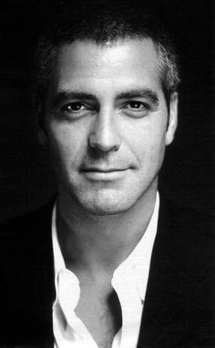 Can we all just take a moment to admire the perfection of George Clooney's face? I'm pretty sure it was delicately crafted by angel hands and that he was put on this Earth for the sole purpose of making my ovaries explode.