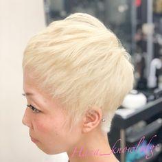 #ヘアカラー #派手髪 #ブリーチ1回 #ホワイトヘア #ホワイトブリーチ #ハイトーンカラー White Blonde, Fashion, Moda, Fashion Styles, Fashion Illustrations