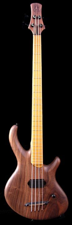 Divine Jones Guitars - Hyperion VLM Mundo Musical, Double Bass, Bass Guitars, Alpha Male, Cool Guitar, Percussion, Woodworking Ideas, Music Stuff, Acoustic Guitar