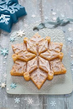Torta Frozen Fiocco di Neve | Chiarapassion Snowflake Cake, Frozen Snowflake, Snowflakes, Welcome Home Cakes, Christmas Time, Christmas Recipes, Waffles, Sweets, Breakfast