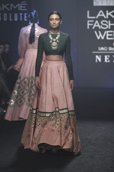 Divya Reddy at Lakmé Fashion Week Winter/Festive 2017 l Vogue India Indian Lehenga, Indian Gowns, Indian Attire, Indian Outfits, Pakistani Dresses, Indian Clothes, Indian Fashion Trends, Indian Designer Outfits, Indian Fashion Designers