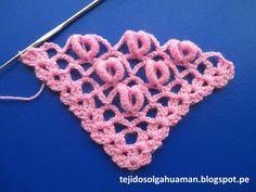"Chal triangular o en ""V"" Tejidos a crochet y/o ganchillo paso a paso en video tutorial, tejidos en lanas o en hilos delgados de diversos colores con ganchill..."