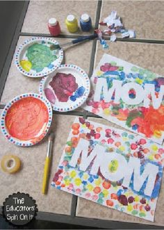 This kids' craft is the perfect creative Mother's Day gift the kids can make on their own that's quick and easy and oh-so cute!