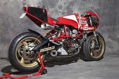 BOL D'OR Donor bike : Ducati Pantah 600 TL Modified frame conversion to side cantilever suspension system. YSS rear s. Ducati Cafe Racer, Moto Ducati, Ducati Motorcycles, Custom Motorcycles, Custom Bikes, Cafe Racers, Moto Guzzi, Ducati Sport Classic, Classic Bikes