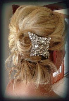 Stylish messy bridal updo Hawaii Makeup, Bridal Updo, Updos, Diamond Earrings, Wedding Planning, Hair Beauty, Stylists, Sewing Ideas, Artist