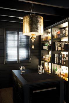 Copahome raamdecoratie  shutters zwart / La décoration de fenêtre. Volets en bois noir